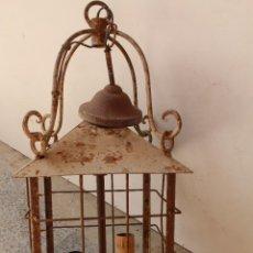 Antigüedades: ANTIGUA LAMPARA DE TECHO FAROL EN HIERRO DE FORJA. Lote 237252575