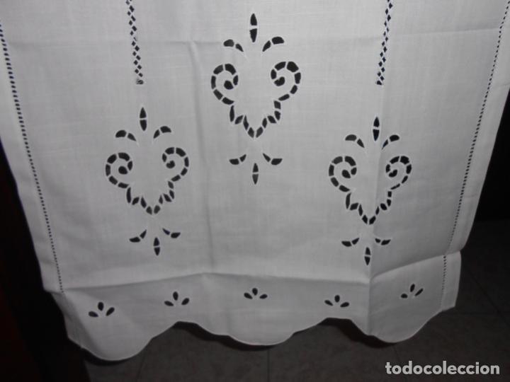 Antigüedades: Panel cortina BLANCO Bordado vainicas y recortes. 80 x 180 cm. Nuevo - Foto 2 - 237305110