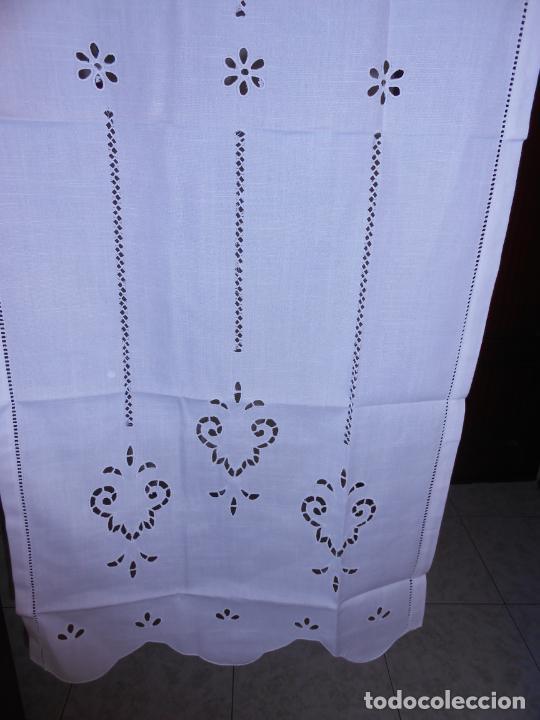 Antigüedades: Panel cortina BLANCO Bordado vainicas y recortes. 80 x 180 cm. Nuevo - Foto 4 - 237305110