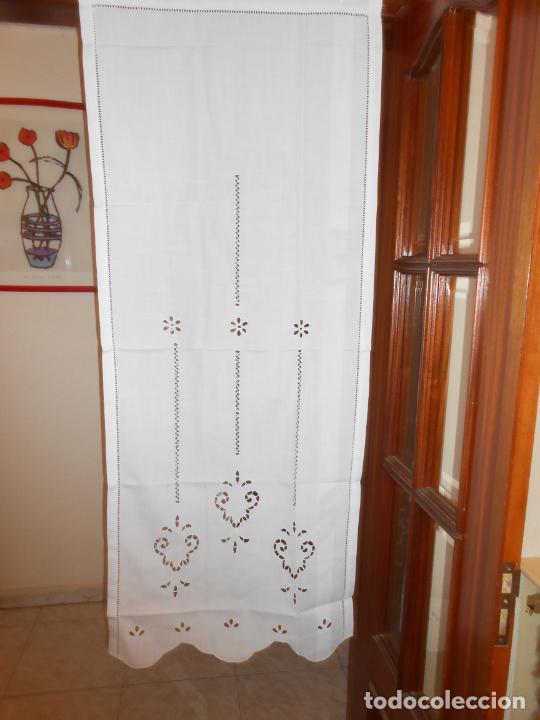 Antigüedades: Panel cortina BLANCO Bordado vainicas y recortes. 80 x 180 cm. Nuevo - Foto 5 - 237305110