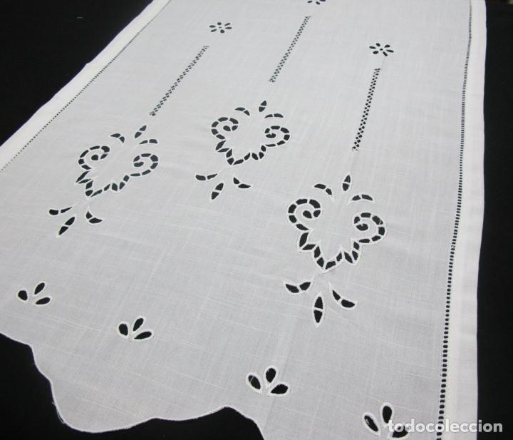 Antigüedades: Panel cortina BLANCO Bordado vainicas y recortes. 80 x 180 cm. Nuevo - Foto 6 - 237305110