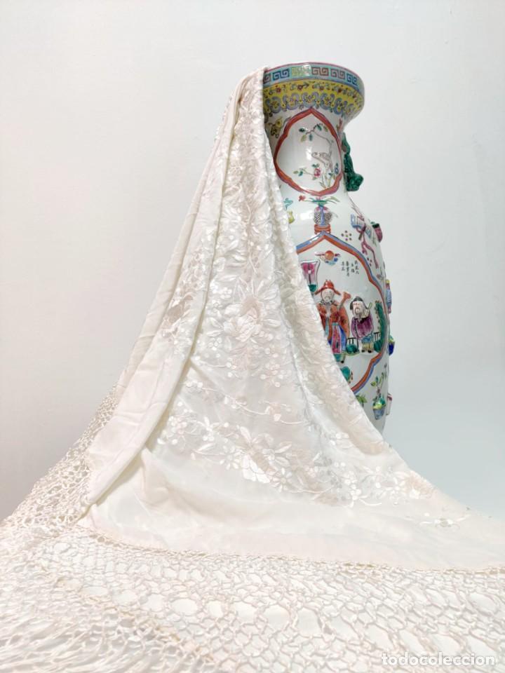 Antigüedades: Precioso Mantón de Manila en seda color Beige - Foto 2 - 237384210