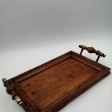 Antigüedades: BANDEJA DANMARK DESIGN. ROBLE Y BRONCE. Lote 237389510