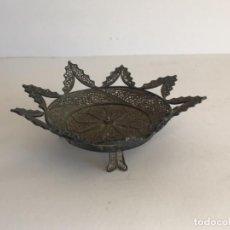 Antigüedades: CENTRO MINIATURA DE PLATA DE LEY FILIGRANAS.. Lote 237443275