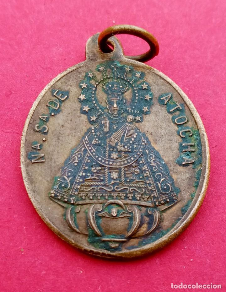 MEDALLA SIGLO XIX VIRGEN DE ATOCHA. MADRID. CRISTO DE LA INDULGENCIA. (Antigüedades - Religiosas - Medallas Antiguas)