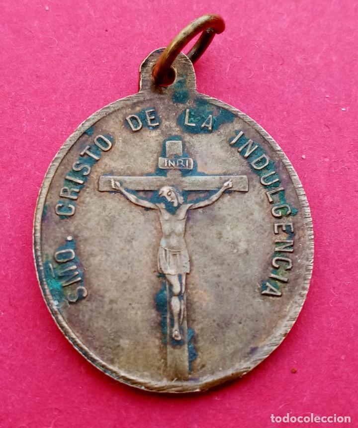 Antigüedades: Medalla Siglo XIX Virgen de Atocha. Madrid. Cristo de la Indulgencia. - Foto 2 - 237454965