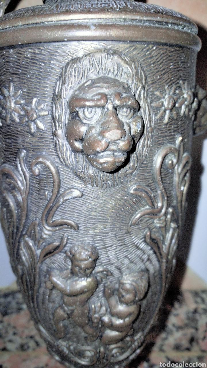 Antigüedades: PAREJAS DE JARRITAS EN METAL CON GRABADOS - Foto 11 - 237562045