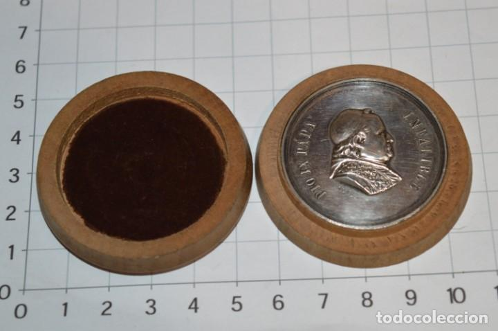 PIO IX PAPA / INFALIBLE - 16 0CTUBRE DE 1876 / 1º ROMERÍA ESPAÑOLA AL VATICANO ¡MIRA FOTOS/DETALLES! (Antigüedades - Religiosas - Medallas Antiguas)