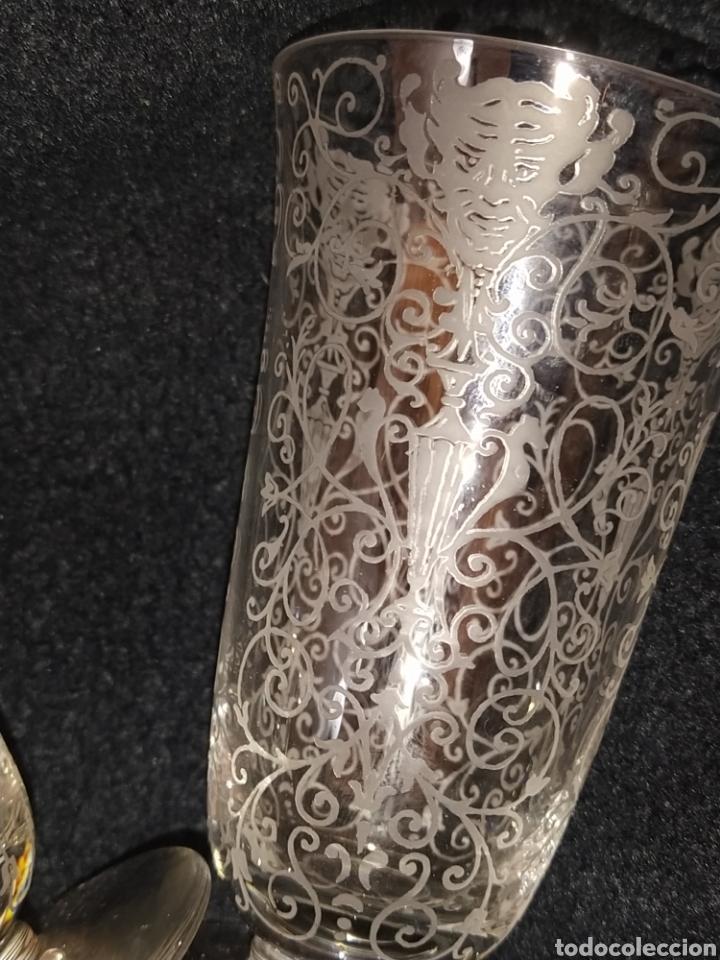 Antigüedades: Importante pareja de copas de cristal de Murano. Sopladas y grabadas. Siglo XVIII-XIX. - Foto 4 - 237579560