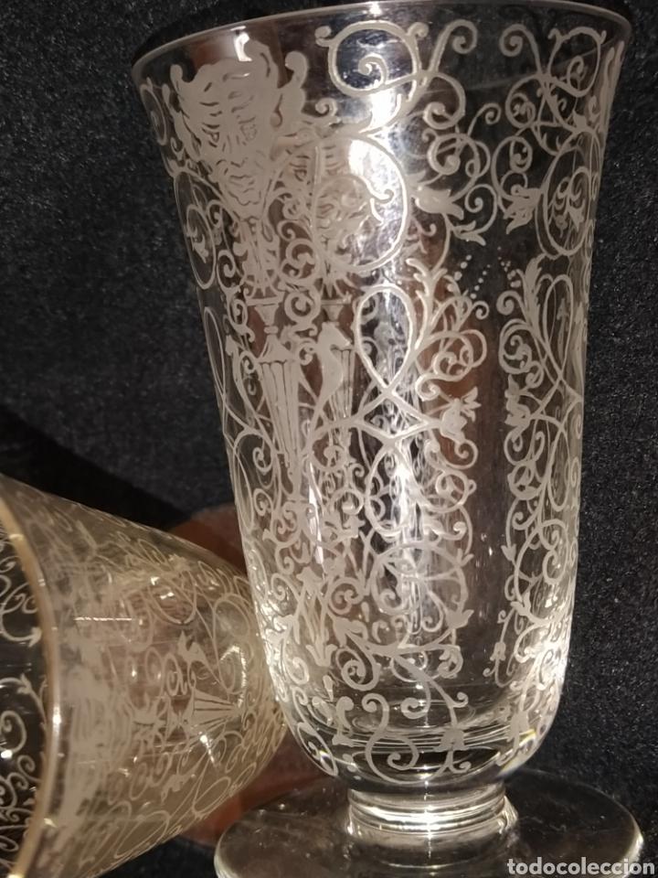 Antigüedades: Importante pareja de copas de cristal de Murano. Sopladas y grabadas. Siglo XVIII-XIX. - Foto 9 - 237579560