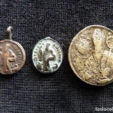 Antigüedades: LOTE DE 3 MEDALLAS S. BENITO Y PLEGARIA. S. XVIII (9). Lote 237624750