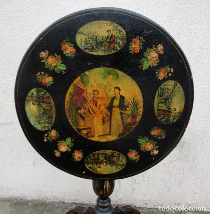 Antigüedades: Velador antiguo isabelino SXIX, la tapa es abatible, til-top, tematica oriental - Foto 2 - 237682535