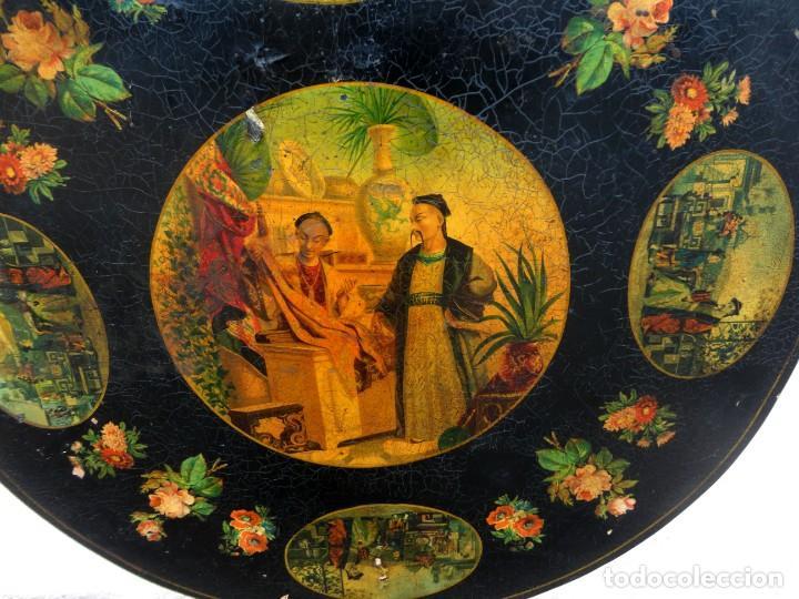Antigüedades: Velador antiguo isabelino SXIX, la tapa es abatible, til-top, tematica oriental - Foto 4 - 237682535