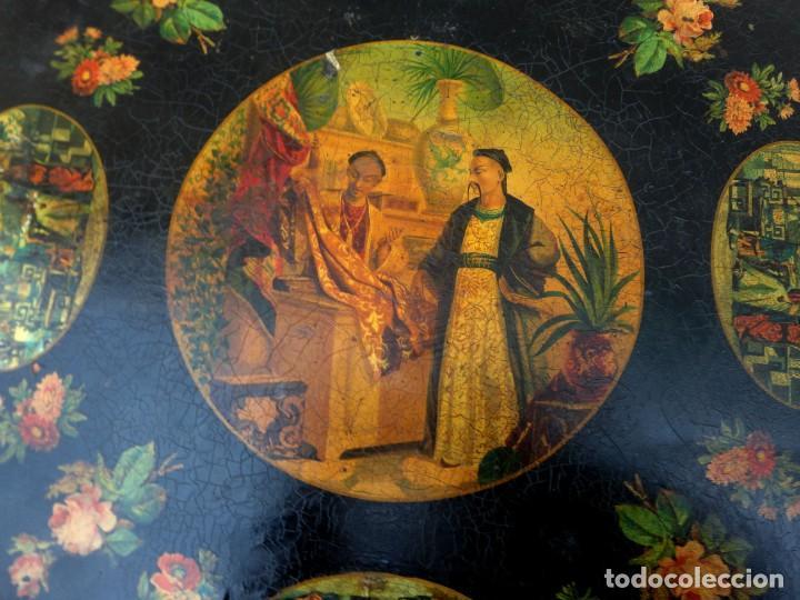 Antigüedades: Velador antiguo isabelino SXIX, la tapa es abatible, til-top, tematica oriental - Foto 11 - 237682535