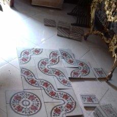 Antigüedades: SOLERIA DE BALDOSA HIDRAULICA LOSAS DE ROSAS, UNICA. Lote 237707285