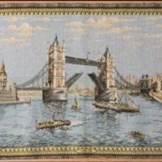 Antigüedades: TAPIZ DE LONDRES. Lote 237768230