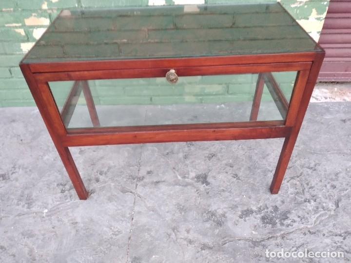 Antigüedades: Antigua mesa expositor de madera cerezo,siglo xix.abre las 2 puertas.tiradores de bronce - Foto 11 - 238002370