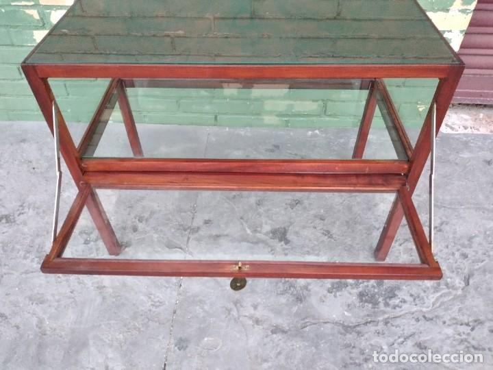Antigüedades: Antigua mesa expositor de madera cerezo,siglo xix.abre las 2 puertas.tiradores de bronce - Foto 13 - 238002370