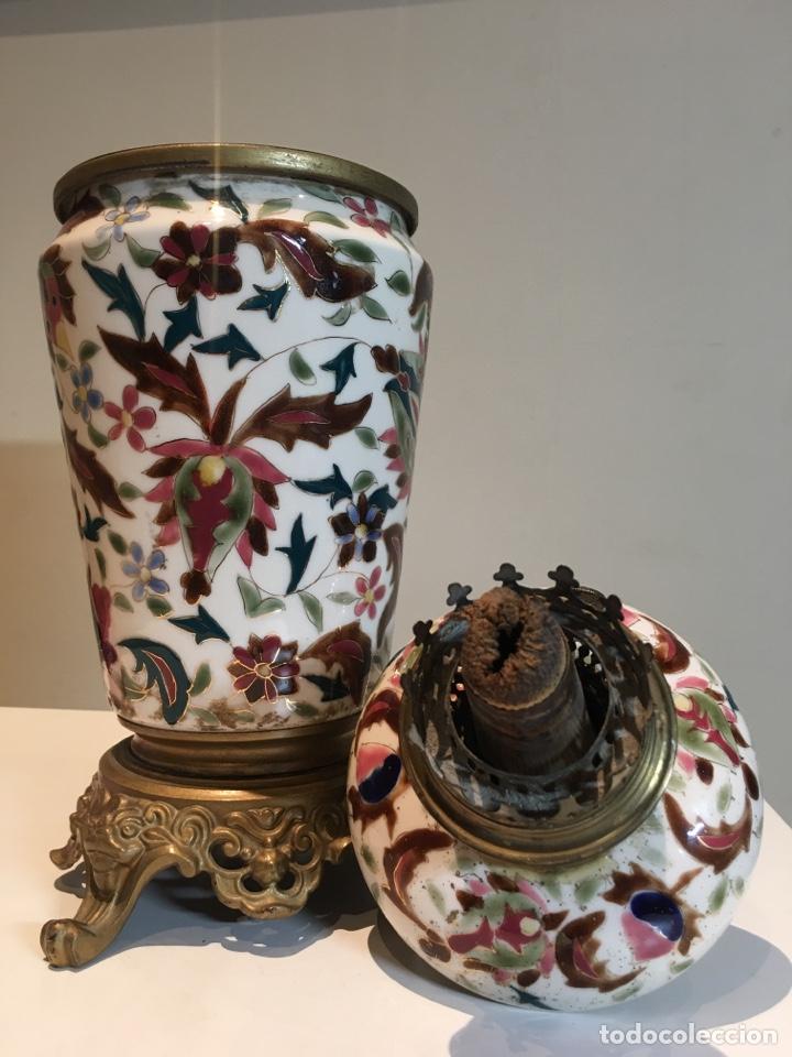Antigüedades: Importante Quinqué siglo XIX decorado en porcelana esmaltada con motivos chinescos - Repujado dorado - Foto 7 - 238008375