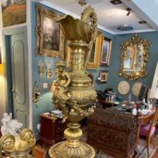 Antigüedades: MAGNIFICA JARRA DE BRONCE. Lote 238098500