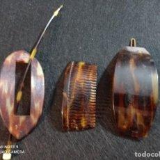 Antigüedades: DOS PEINETAS Y UN PASADADOR SIMIL CAREY. Lote 238107625