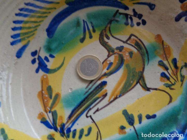 Antigüedades: ANTIGUO PLATO LEBRILLO DE TRIANA 27 CM. - Foto 5 - 238168385