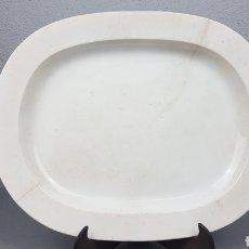 Antigüedades: BANDEJA DE LOZA, PRIMERA ETAPA SARGADELOS (1809- 1832). VÉANSE MARCAS. MEDIDAS: 42 X 34 CM.. Lote 238245250