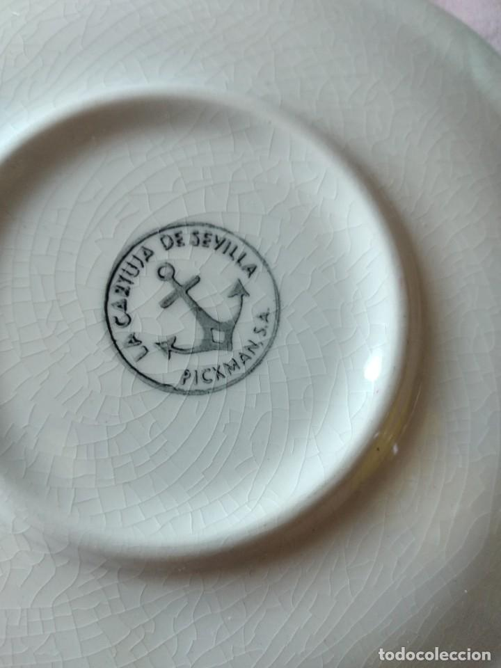 Antigüedades: Plato de taza de te de porcelana cartuja pickman rojo. - Foto 5 - 238279710
