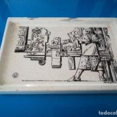 Antigüedades: CENICERO PORCELANA ALGORA - PUBLICIDAD ARTES GRAFICAS. Lote 238315010