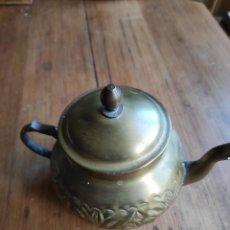Antigüedades: TETERA DE BRONCE. Lote 238356945