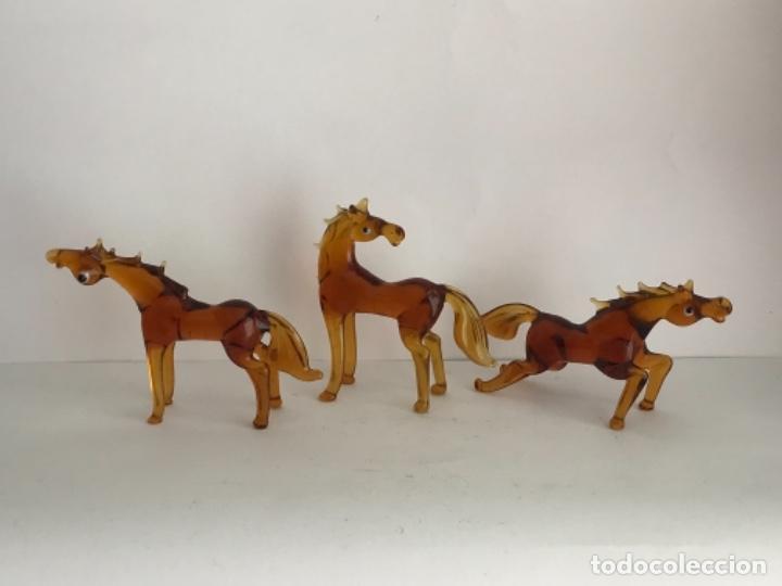 TRES CABALLOS DE CRISTAL DE MURANO. 1970'S. (Antigüedades - Cristal y Vidrio - Murano)