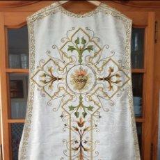 Antigüedades: CASULLA BORDADA. Lote 238502675