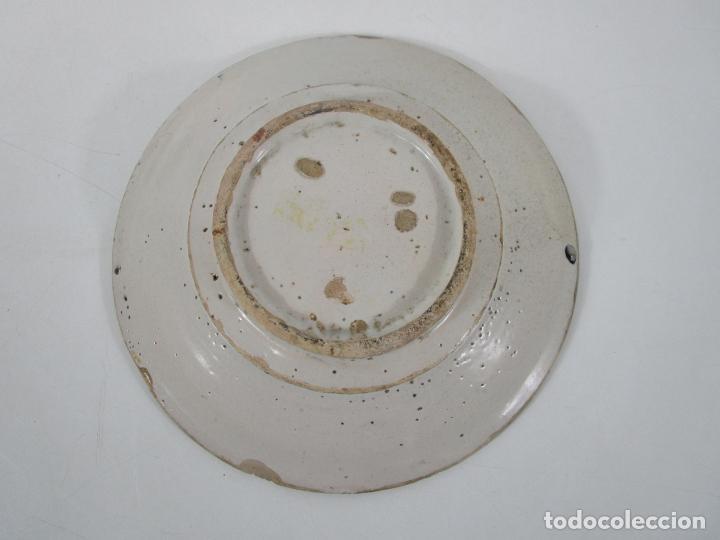 Antigüedades: Antiguo Plato - Cerámica Catalana - Decorado con Flor - Finales S. XVIII - Foto 7 - 238543235