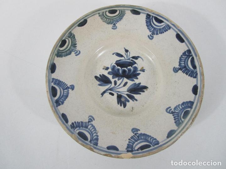 Antigüedades: Antiguo Plato - Cerámica Catalana - Decorado con Flor - Finales S. XVIII - Foto 9 - 238543235