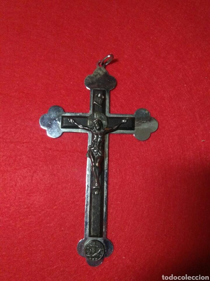 Antigüedades: Preciosa cruz fransicana ,recuerdo de las misiones ,metal y madera ,grabada en la parte posterior - Foto 2 - 238595100