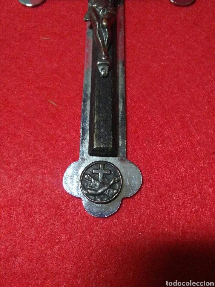 Antigüedades: Preciosa cruz fransicana ,recuerdo de las misiones ,metal y madera ,grabada en la parte posterior - Foto 6 - 238595100