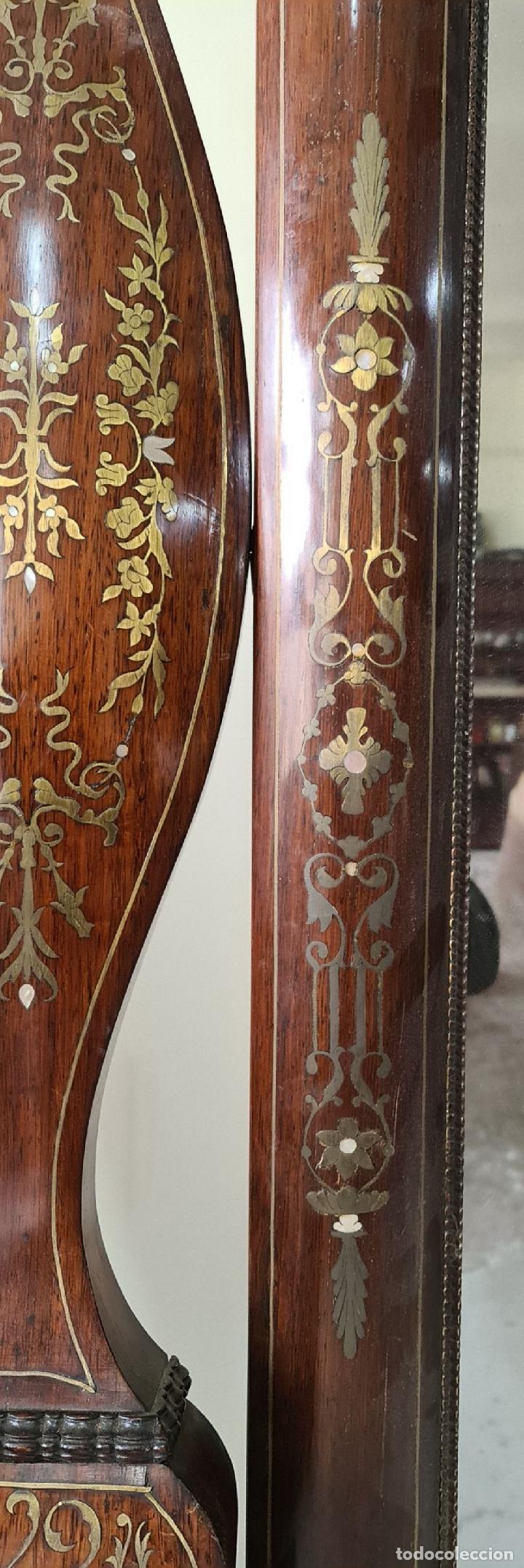 Antigüedades: CONSOLA CON ESPEJO. MADERA DE PALISANDRO Y MARQUETERIA. ESTILO ISABELINO. SIGLO XIX. - Foto 8 - 238617105