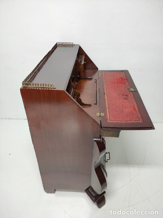Antigüedades: Antiguo Canterano Holandés - Escritorio en Madera de Caoba - Tiradoras Originales - S. XIX - Foto 6 - 238641055