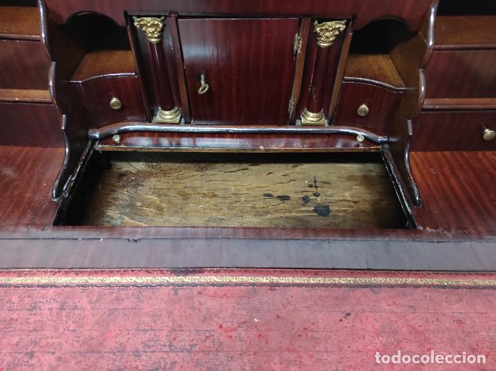 Antigüedades: Antiguo Canterano Holandés - Escritorio en Madera de Caoba - Tiradoras Originales - S. XIX - Foto 13 - 238641055