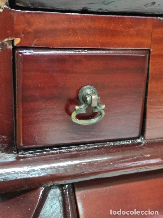 Antigüedades: Antiguo Canterano Holandés - Escritorio en Madera de Caoba - Tiradoras Originales - S. XIX - Foto 22 - 238641055