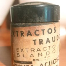 Antigüedades: FRASCO ANTIGUO DE FARMACIA ETIQUETA EXTRACTO BLANDO CICUTA ACUOSO VENENO. Lote 238688135