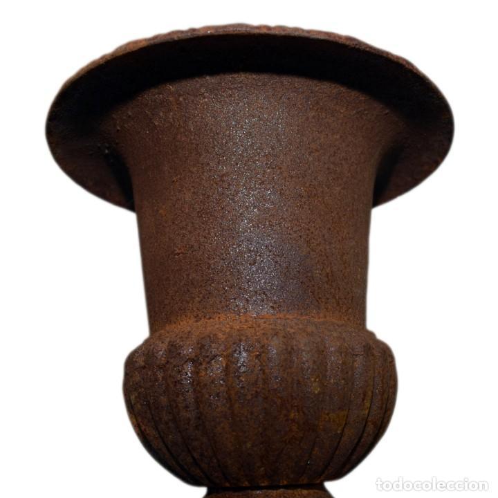 Antigüedades: Jarrones Campana (2) - Hierro (fundido/forjado) - siglo XX - Foto 4 - 238693075