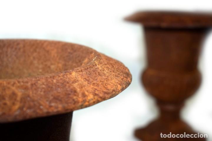 Antigüedades: Jarrones Campana (2) - Hierro (fundido/forjado) - siglo XX - Foto 6 - 238693075