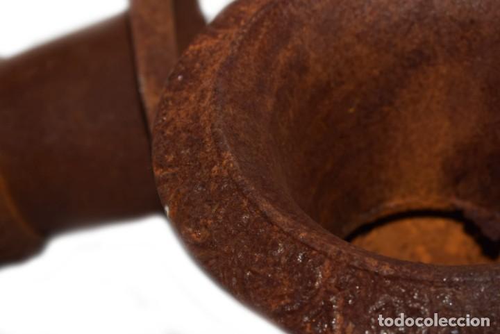 Antigüedades: Jarrones Campana (2) - Hierro (fundido/forjado) - siglo XX - Foto 8 - 238693075