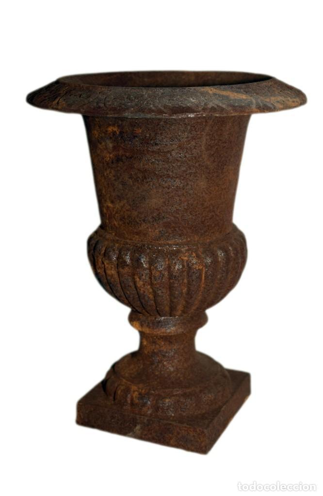 Antigüedades: Jarrones Campana (2) - Hierro (fundido/forjado) - siglo XX - Foto 10 - 238693075