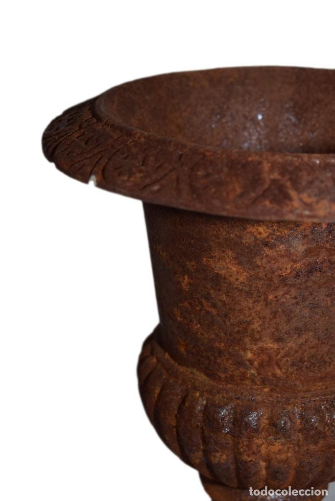 Antigüedades: Jarrones Campana (2) - Hierro (fundido/forjado) - siglo XX - Foto 12 - 238693075