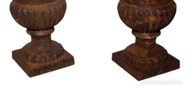 Antigüedades: Jarrones Campana (2) - Hierro (fundido/forjado) - siglo XX - Foto 13 - 238693075