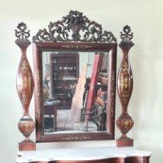 Antigüedades: CONSOLA CON ESPEJO. MADERA DE PALISANDRO Y MARQUETERIA. ESTILO ISABELINO. SIGLO XIX.. Lote 238617105