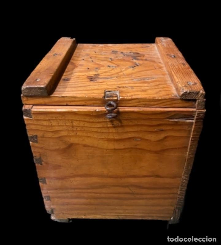 ANTIGUA CAJA- ARQUETA DE MADERA NOGAL (Antigüedades - Muebles Antiguos - Baúles Antiguos)