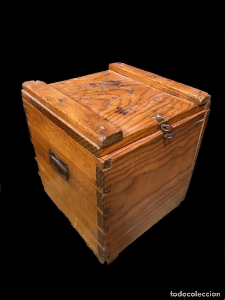 Antigüedades: Antigua caja- arqueta de madera nogal - Foto 2 - 238700365